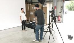 fotoshooting Büro Mitarbeiterin daeumling dahn werbeadentur gaxweb karlsruhe